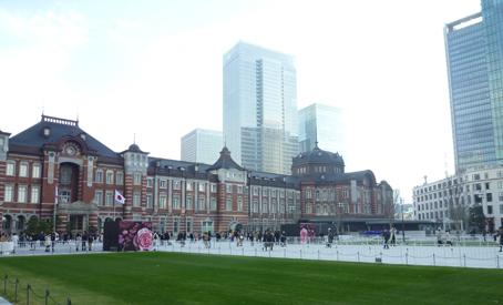 新装の東京駅